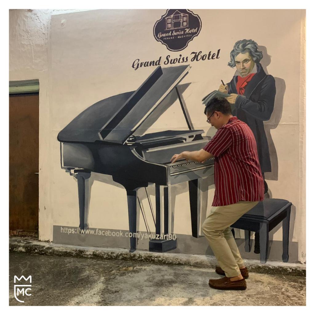 Lee McKing and Penang street art