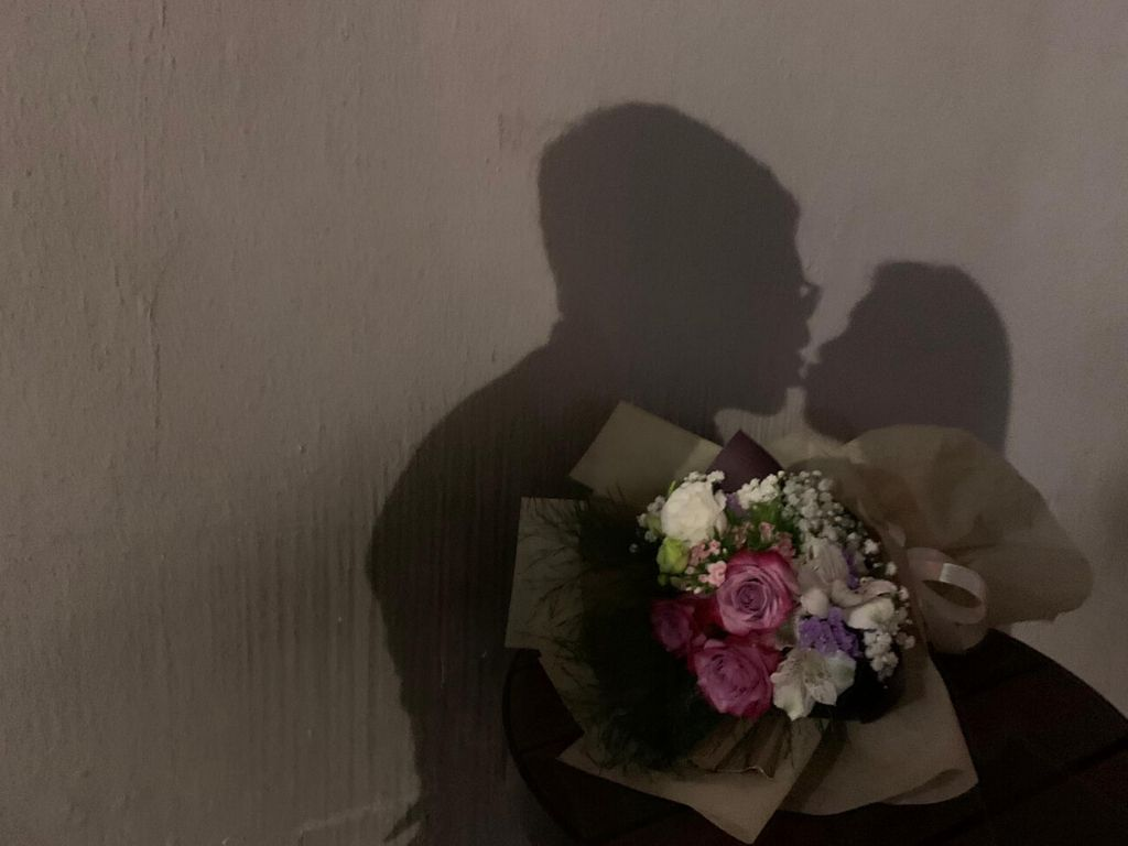Presentation happy relationship flowers